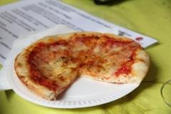 Pizzeria-I-take-away-Zonhoven-trapt-door-16
